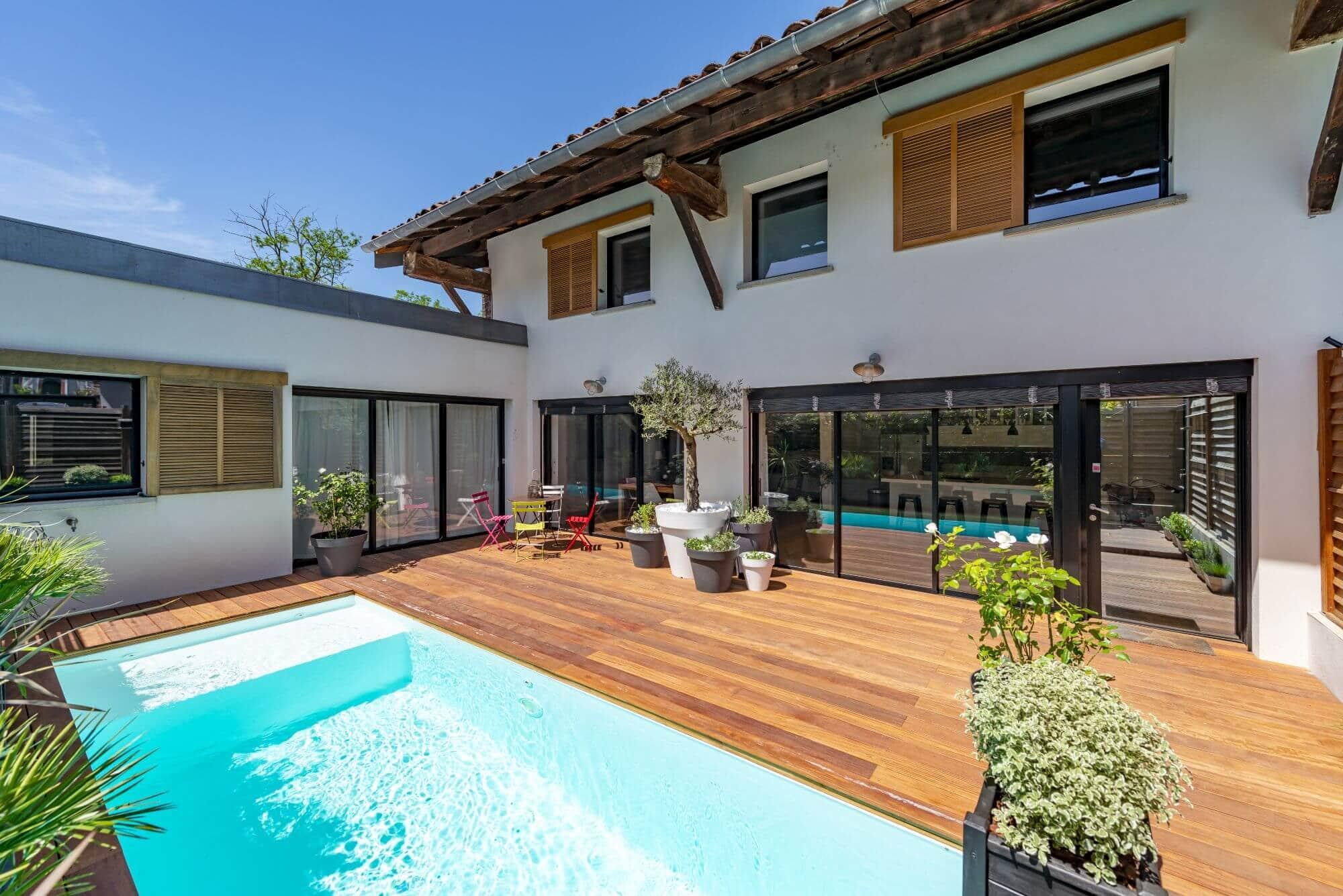 Maison Renovée, Quartier Cote Pavee, Piscine, Terrasse