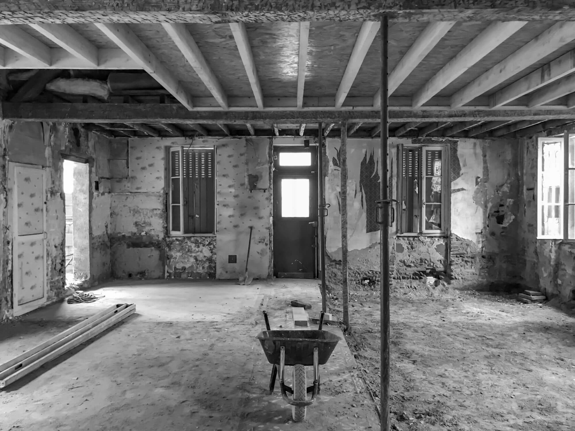 Maison refaite, Rénovation complète