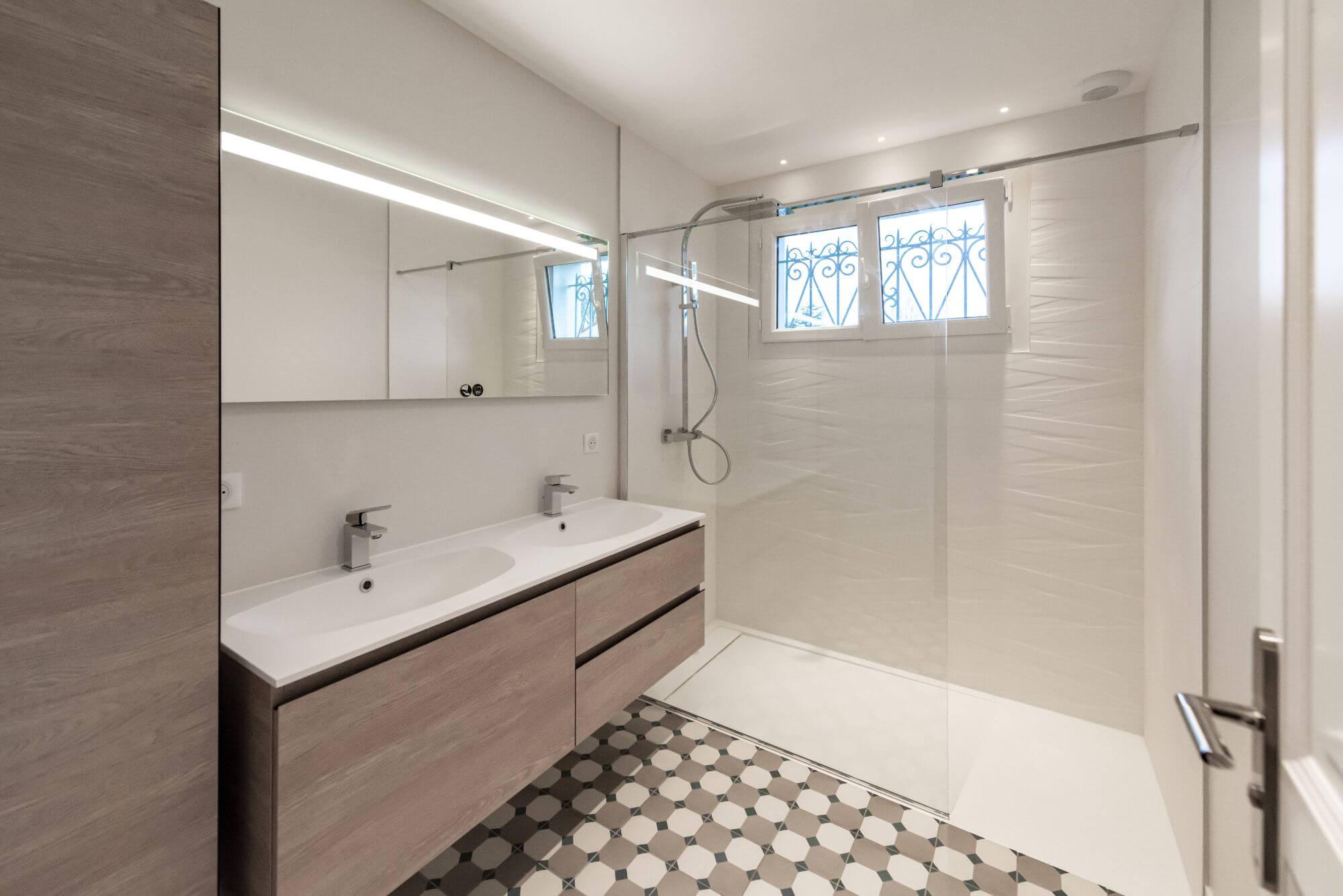 Qualite de materiaux dans la salle de bain
