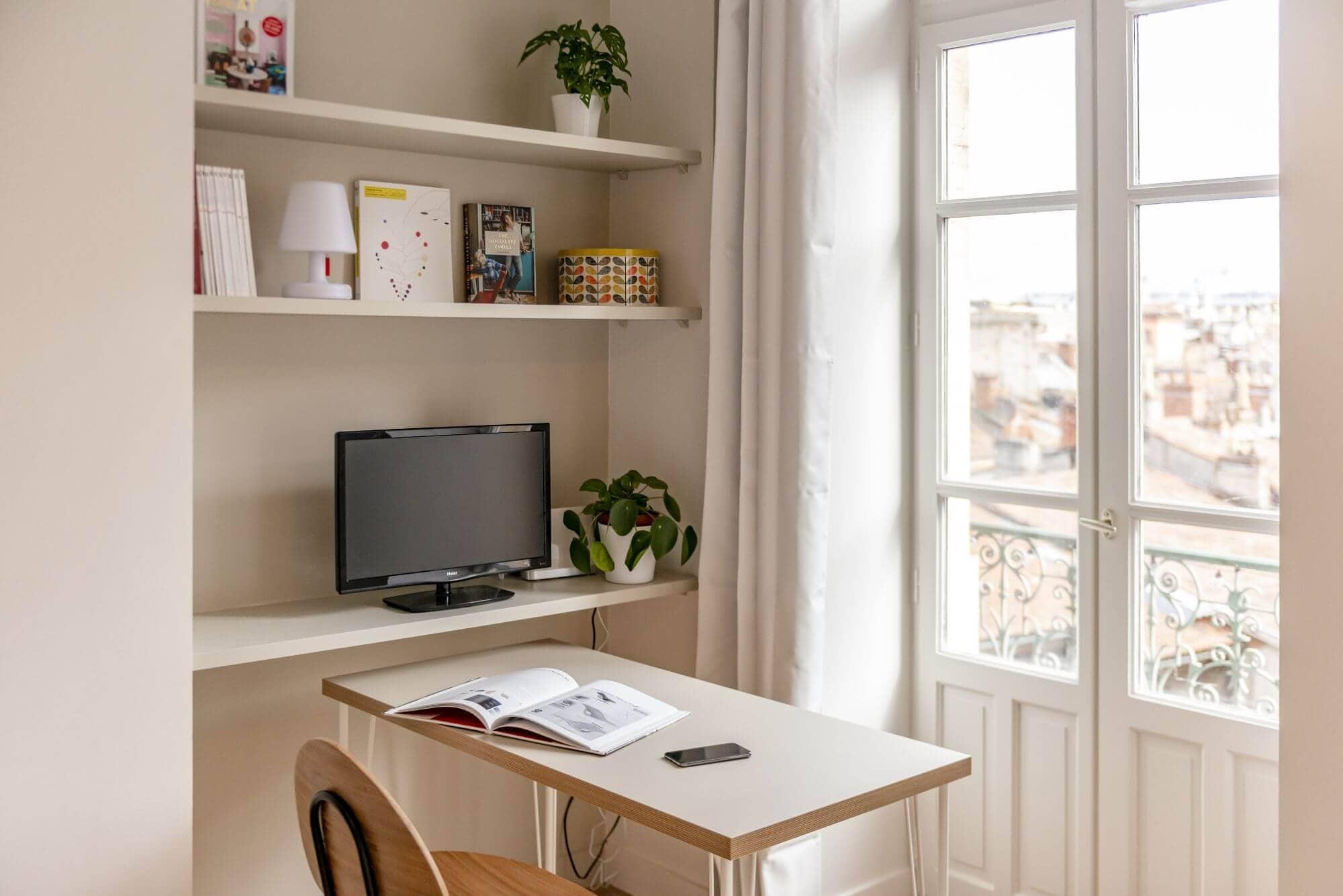 Bureau, Télévision, Fenêtre, Vue esquirol, Rénovation Toulouse
