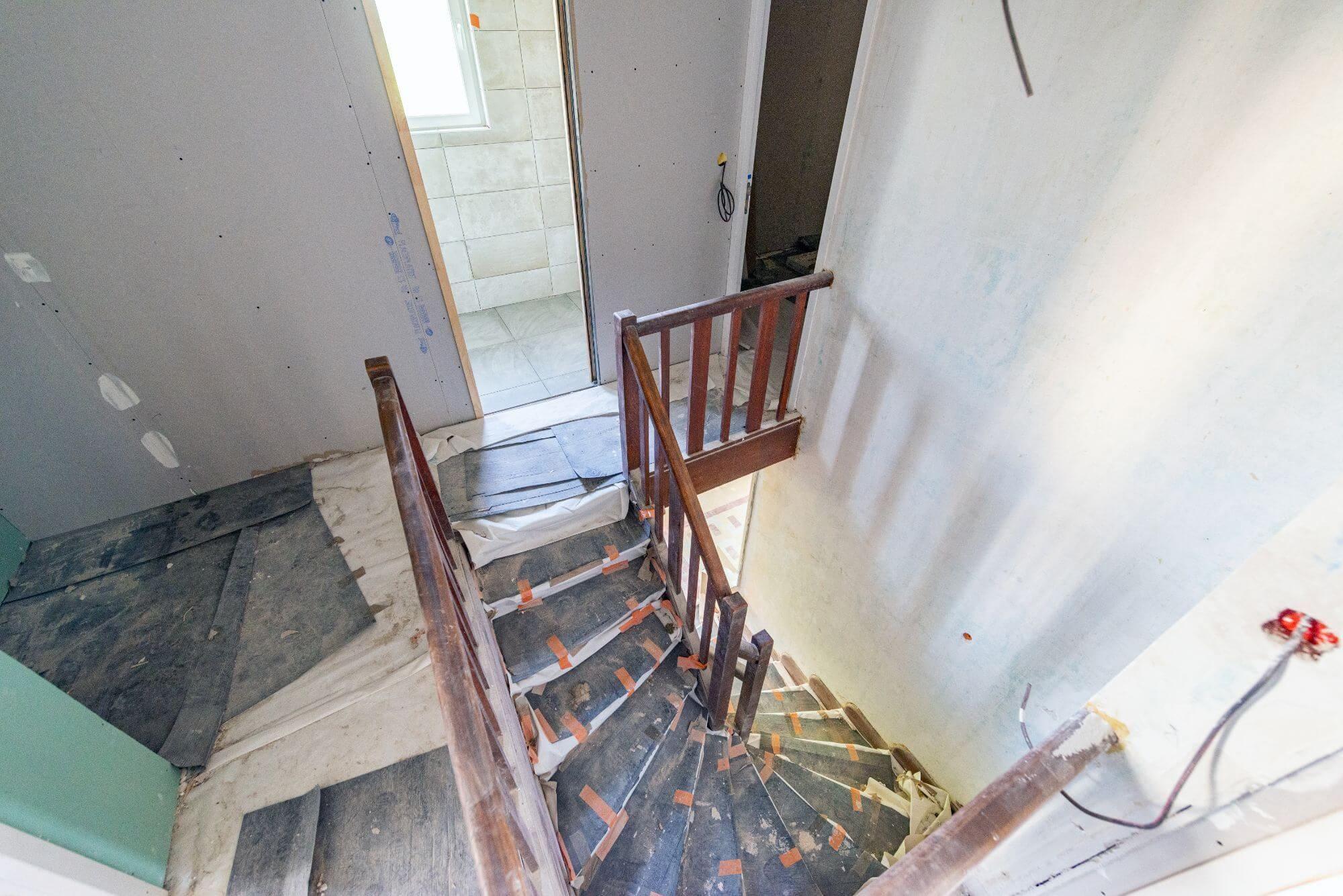Escalier, Rénovation
